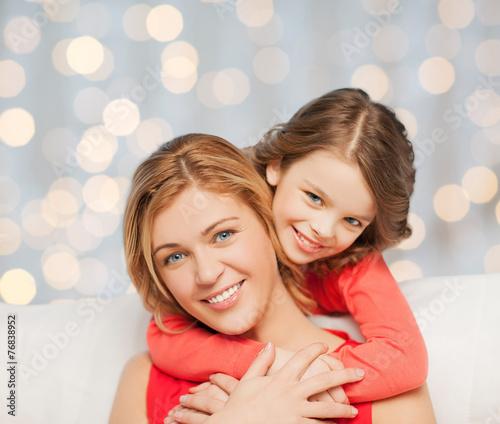 мама с доченкой перед камерой фото