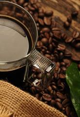 Czarna kawa w szklance