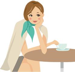 カフェでリラックスする女性