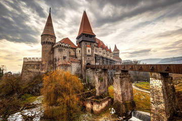 Corvinesti Castle, Hunedoara, Romania Fototapete