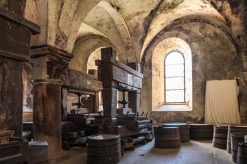 Fototapete - Altes Gewölbe auf einem Weingut