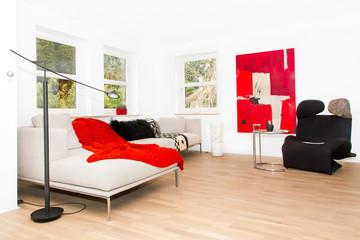 Modernes Wohnzimmer mit Couch