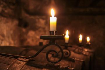 Fototapete - Kerzen im Weinkeller