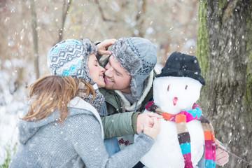 snowmen kiss