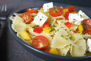 pasta italiana verdure e formaggio