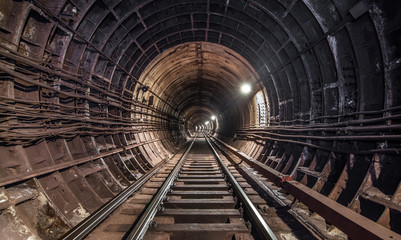 Tunnel subway