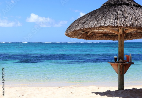 plage et parasol de l 39 le maurice stock photo and royalty free images on pic. Black Bedroom Furniture Sets. Home Design Ideas
