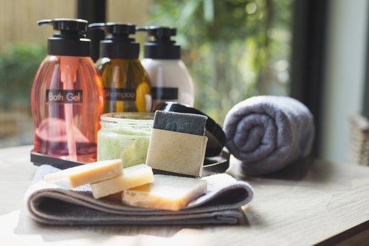 Amenity set : Shampoo, bath gel, soap and lotion