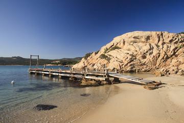 Sardegna, piccolo pontile