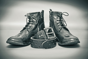 Fashion leather shoes, leather belt with buckle