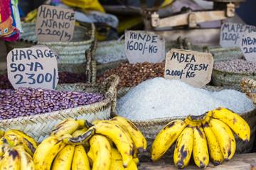 Poster Zanzibar Traditional food market in Zanzibar, Africa.