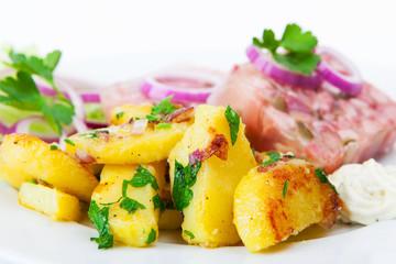 Bratkartoffeln und Sülze
