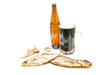 two salted fishes and beer