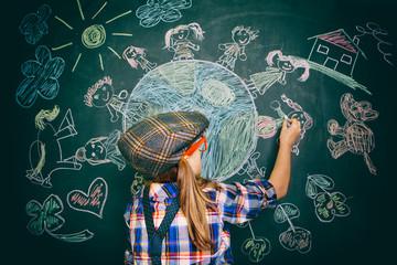 Kind malt die Welt