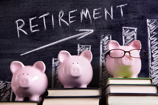 Piggy Banks with retirement savings chart