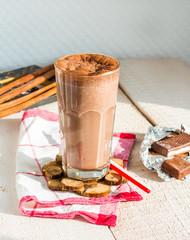 chocolate smoothie with banana and peanut butter