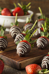 Homemade Chocolate Dipped Strawberries