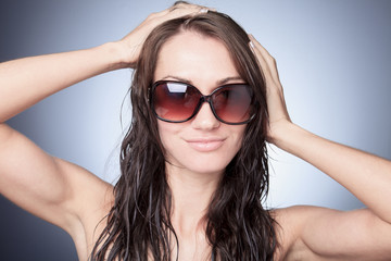A nice portrait of a woman with sunglasses