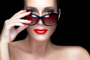 Fashion Model Woman in Black Oversized Sunglasses. Bright Makeup