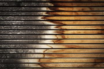 Holzwand stark verwittert