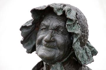 Denkmal Blumenfrau Berta Klingberg in Schwerin