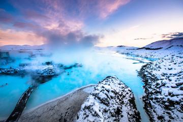 Fototapeten Insel The famous blue lagoon near Reykjavik, Iceland