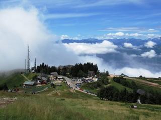 Panoramablick vom Berg Mottarone am Lago Maggiore - Italien