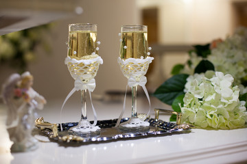 the wedding glasses
