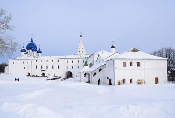Кремль в Суздале зимой