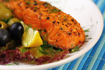 Grilled salmon with lime.