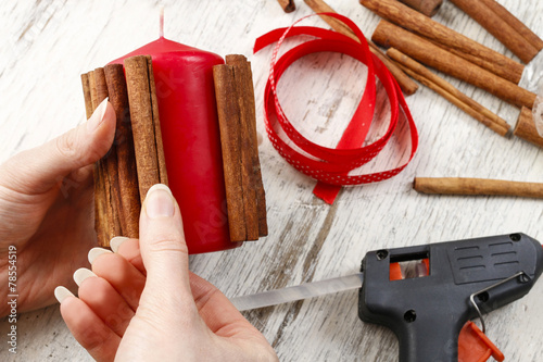 how to make cinnamon stick candles