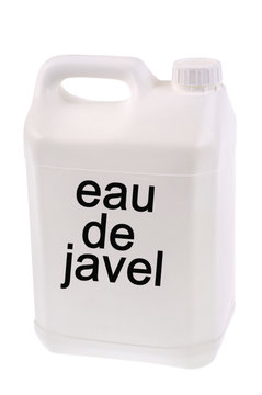 Un bidon d'eau de javel