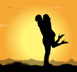 coppia di innamorati al tramonto