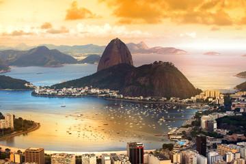 In de dag Rio de Janeiro Rio De Janeiro, Brazil in twilight