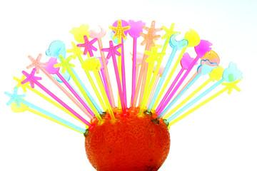 wykałaczki w pomarańczy