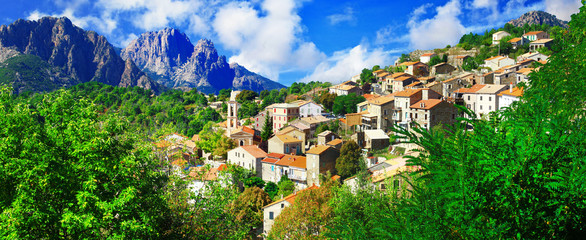 Evisa - beautiful mountain village in Corsica Fototapete