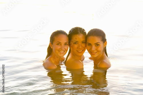 three young beauty queens are having sex in the pool  200633