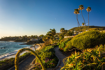 Gardens and view of the Pacific Ocean, at Heisler Park, Laguna B