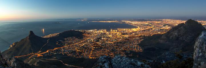 Foto auf AluDibond Südafrika Kapstadt bei Nacht