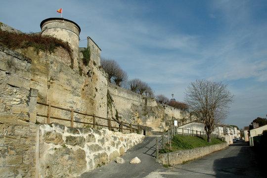 Bourg-sur-Gironde 56