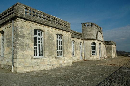Bourg-sur-Gironde 76