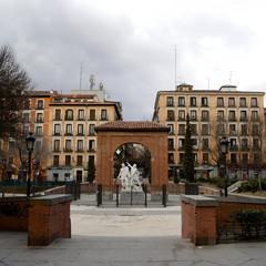 dos de mayo square, Madrid