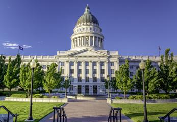Fototapete - Park at the Utah state capital building