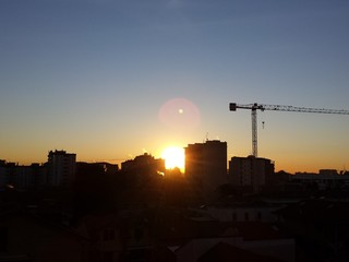 Alba sulla città
