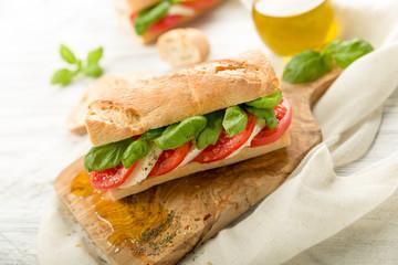 Tomaten Mozzarella Baguette