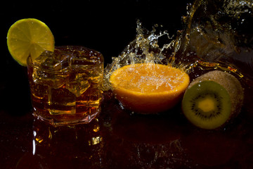 фрукты напиток и лёд