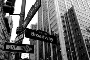 Broadway arrow