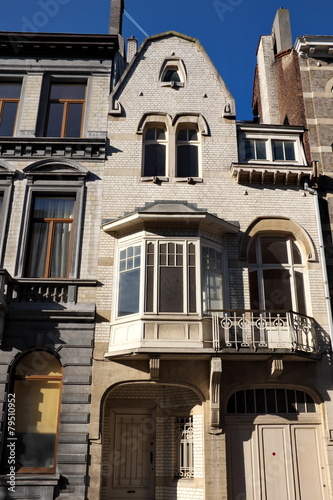 maison ancienne bruxelles avec bow window photo libre de droits sur la banque d 39 images. Black Bedroom Furniture Sets. Home Design Ideas