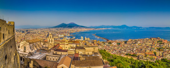 Garden Poster Napels City of Naples with Mt. Vesuvius at sunset, Campania, Italy