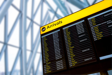 Fototapete - Check in, Airport Departure & Arrival information board sign